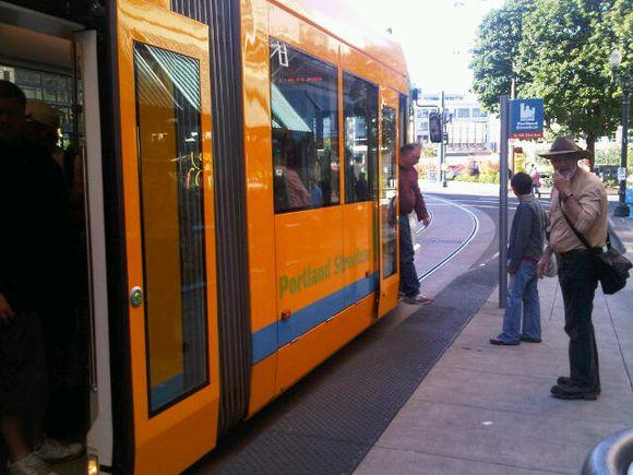 streetcar in Portland 2010 July.jpg