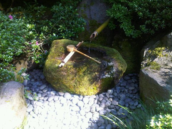 Japanese Garden Portland water feature 2010 July.jpg