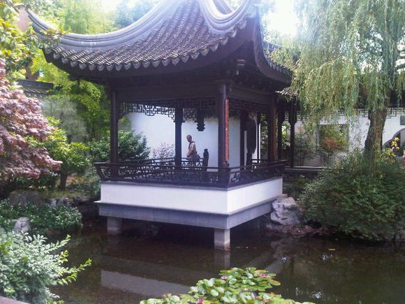 Portland Chinese Garden pavilion 2010 July.jpg