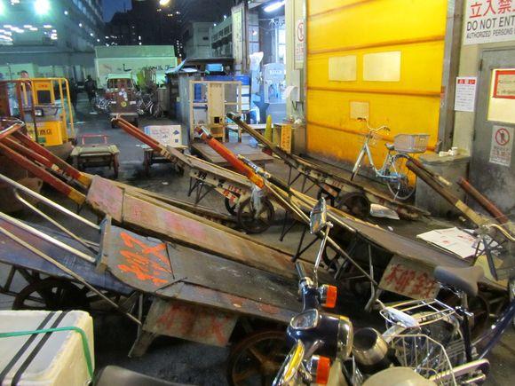 2012-02-20 Tsukiji Fish Market Tokyo Japan 006.JPG